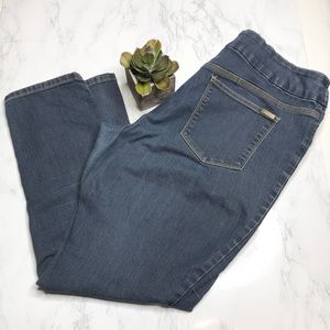 Chico's So-slimming poll on jeans, size 3
